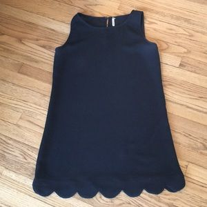 Adorable scalloped shift dress.